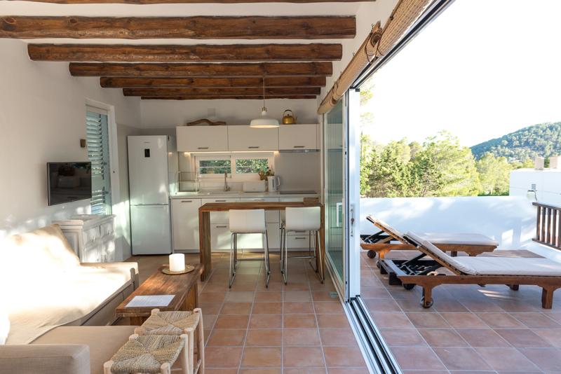Appartement Keuken en buitenaanzicht