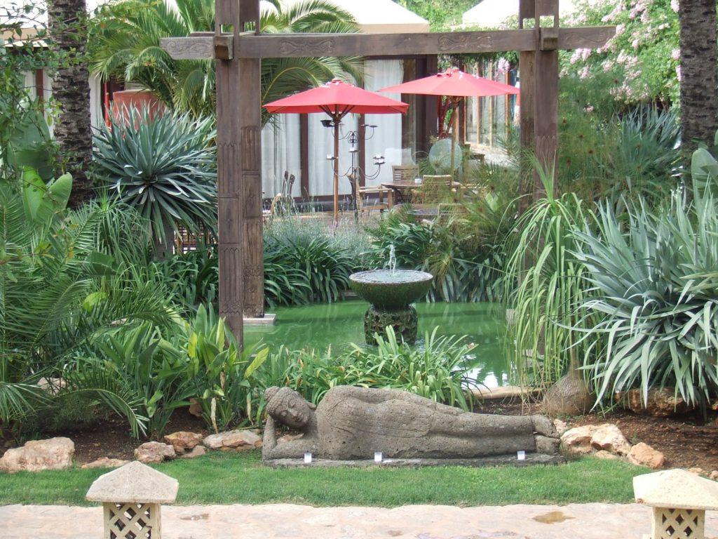 Atzaro Buddha liggend (1)
