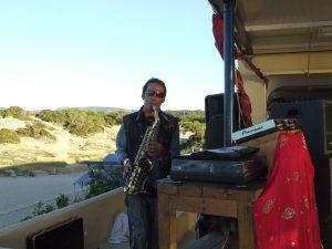 Sunset Ashram saxofonist
