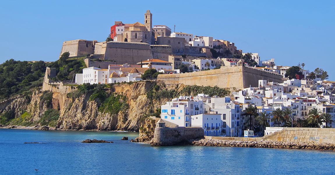 Zeiljacht-huren-Eivissa-Ibiza-stad[1]
