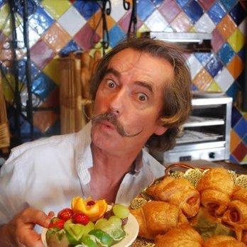 Croissant Show