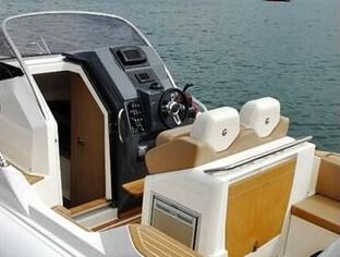 Capelli Tempest 850WA Motorboot - kopie (3)